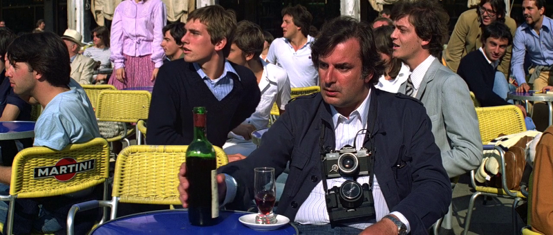 Victor Tourjansky as Man with Bottle (Uncredited) in Moonraker (1979)