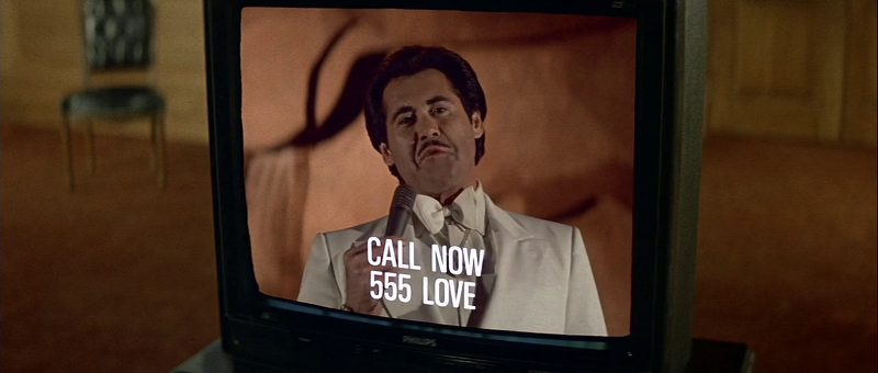 Wayne Newton cameos as Joe Butcher in Licence To Kill (1989)