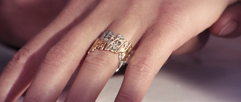 Tracy Bond's wedding ring in On Her Majesty's Secret Service (1969)