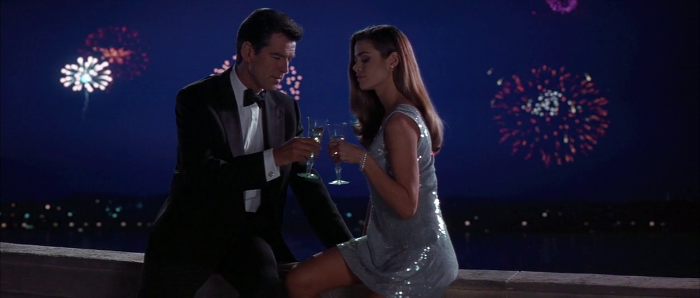 James Bond (Pierce Brosnan) and Christmas Jones (Denise Richards in The World Is Not Enough (1999)