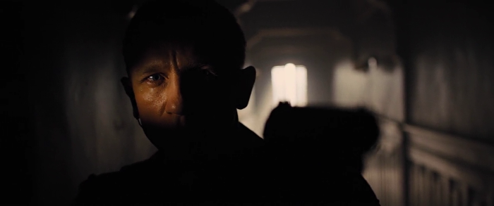 Daniel Craig looking like a spy in Skyfall (2012)